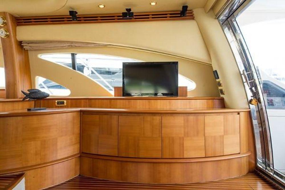 Azimut Yacht